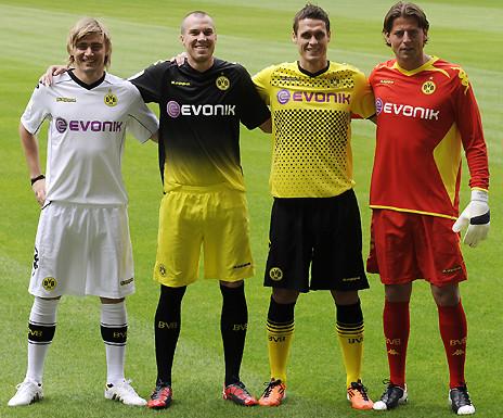 Borussia Dortmund Kit 2011 2012 Borussia Dortmund 2011 2012 yeni formalar